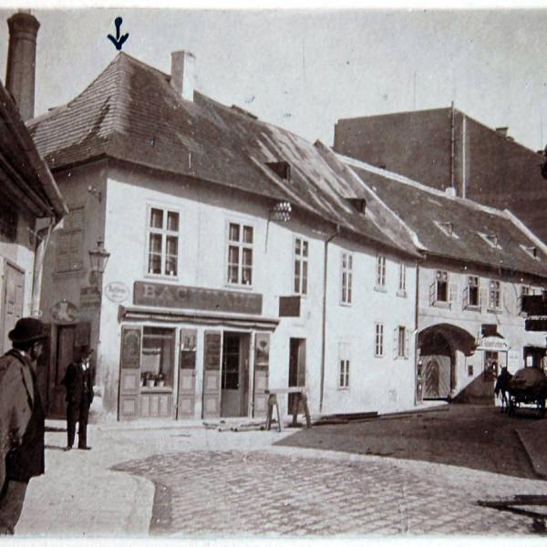 ©Bauherr / historische Straßenansicht
