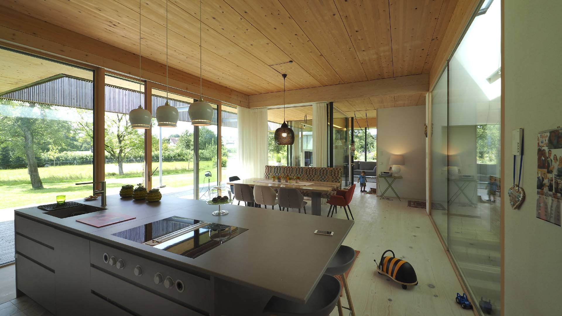 ©Heinz Schmölzer / Innenansicht Küche und Essbereich