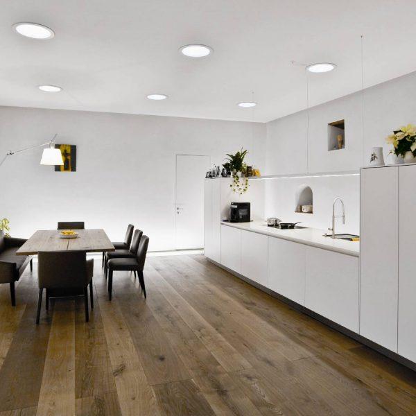 ©DI Norbert Steiner / Innenraum mit Küchenpult