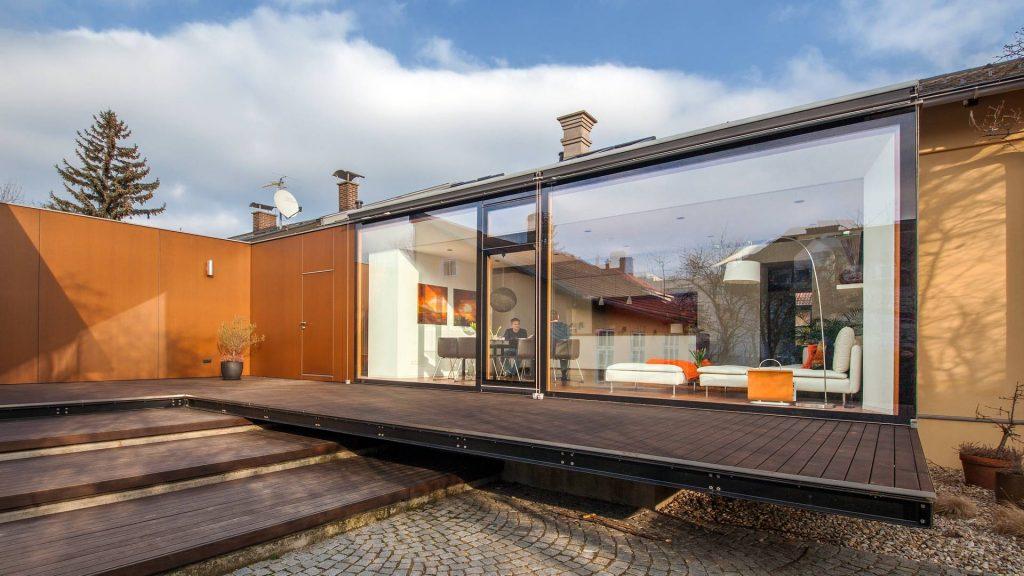 ©Romana Fürnkranz / Außenansicht mit verglaster Gartenfront