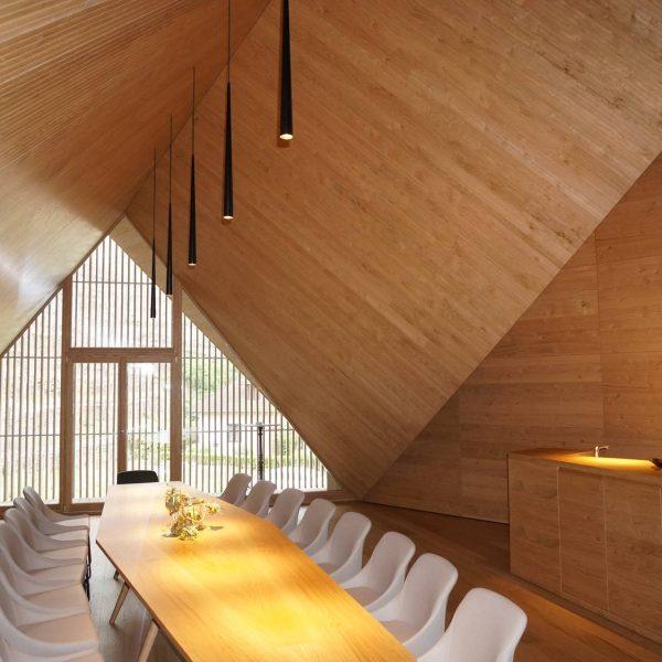 ©BD1-O, NÖ GESTALTE(N) / Innenansicht - die Holzlamellen dienen der Beschattung und sorgen für Durchblick