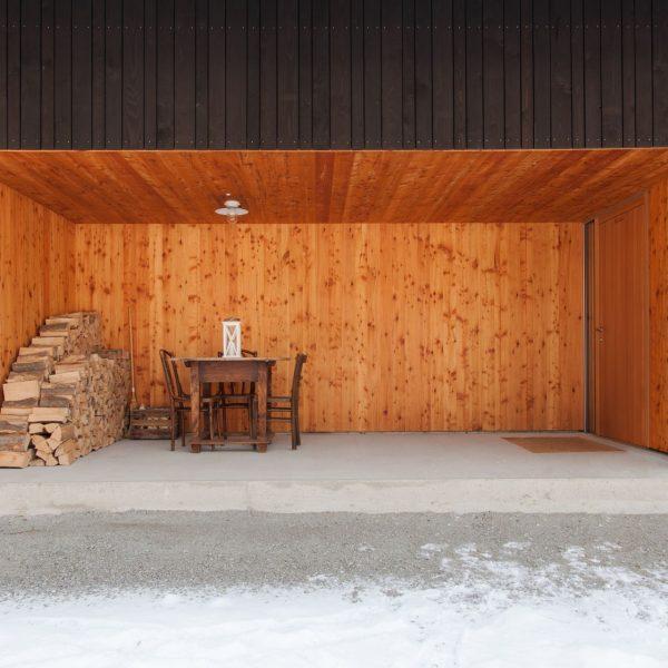 ©Romana Fürnkranz / Eingangsbereich mit geschützter Sitznische