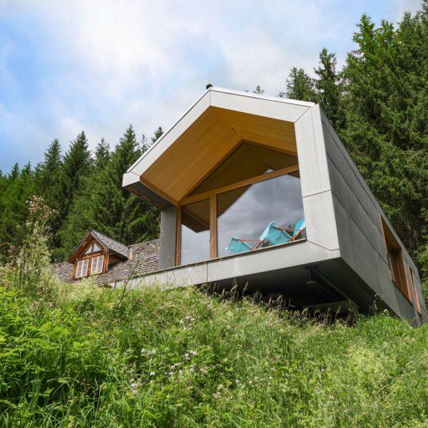 ©Romana Fürnkranz / Außenansicht Zubau über Geländekante